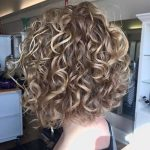 10+ Stylish Haircuts for Curly Hair